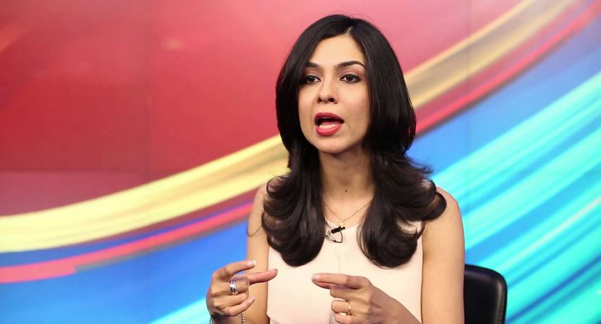 Hottest female news anchors in India
