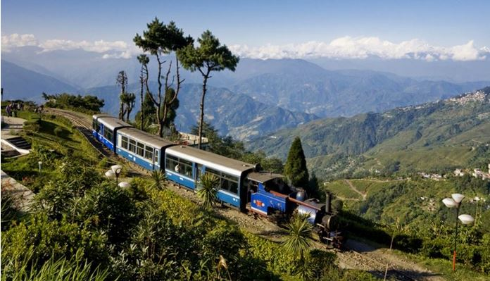 DARJEELING Top Most Popular Visited Hill Stations in The World 2018